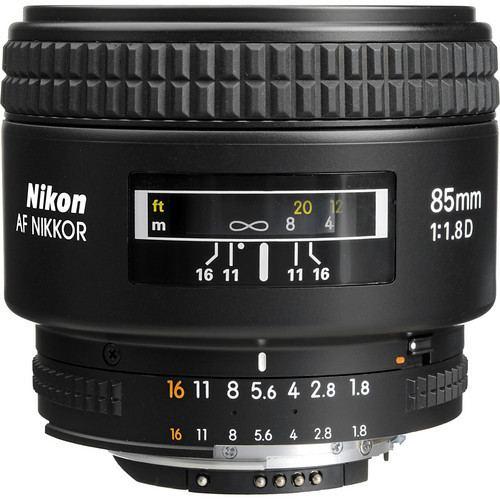 Nikon AF Nikkor 85mm f1.8D Lens 2