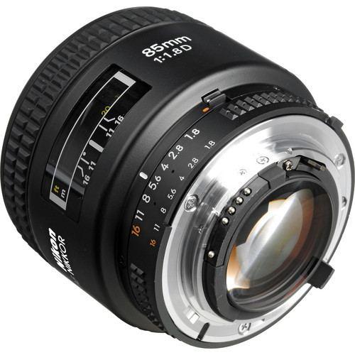 Nikon AF Nikkor 85mm f1.8D Lens 3