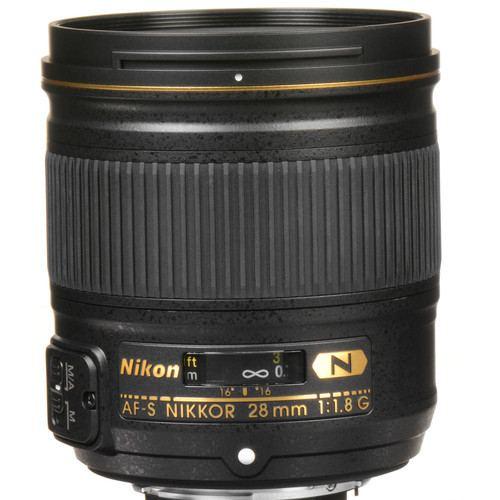 Nikon AF S NIKKOR 28mm f1.8G Lens 2