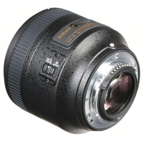 Nikon AF S NIKKOR 85mm f1.8G Lens 3